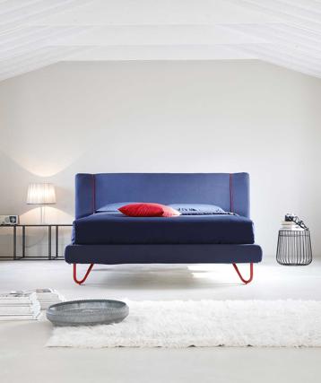 :foto pantone:pantone2020-letto-blu-noctis.jpg